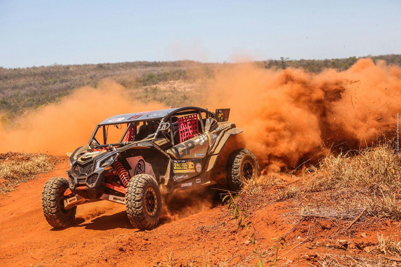 O piloto Gui Cysne no Campeonato Mineiro de Rally. Foto Sanderson Pereira